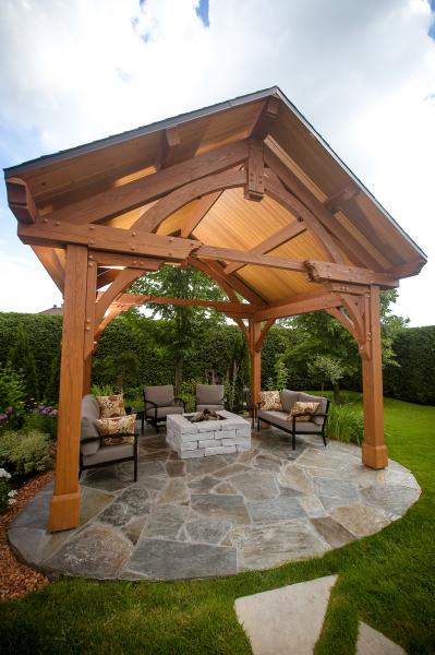 Outdoor gazebo with slate bulk floor