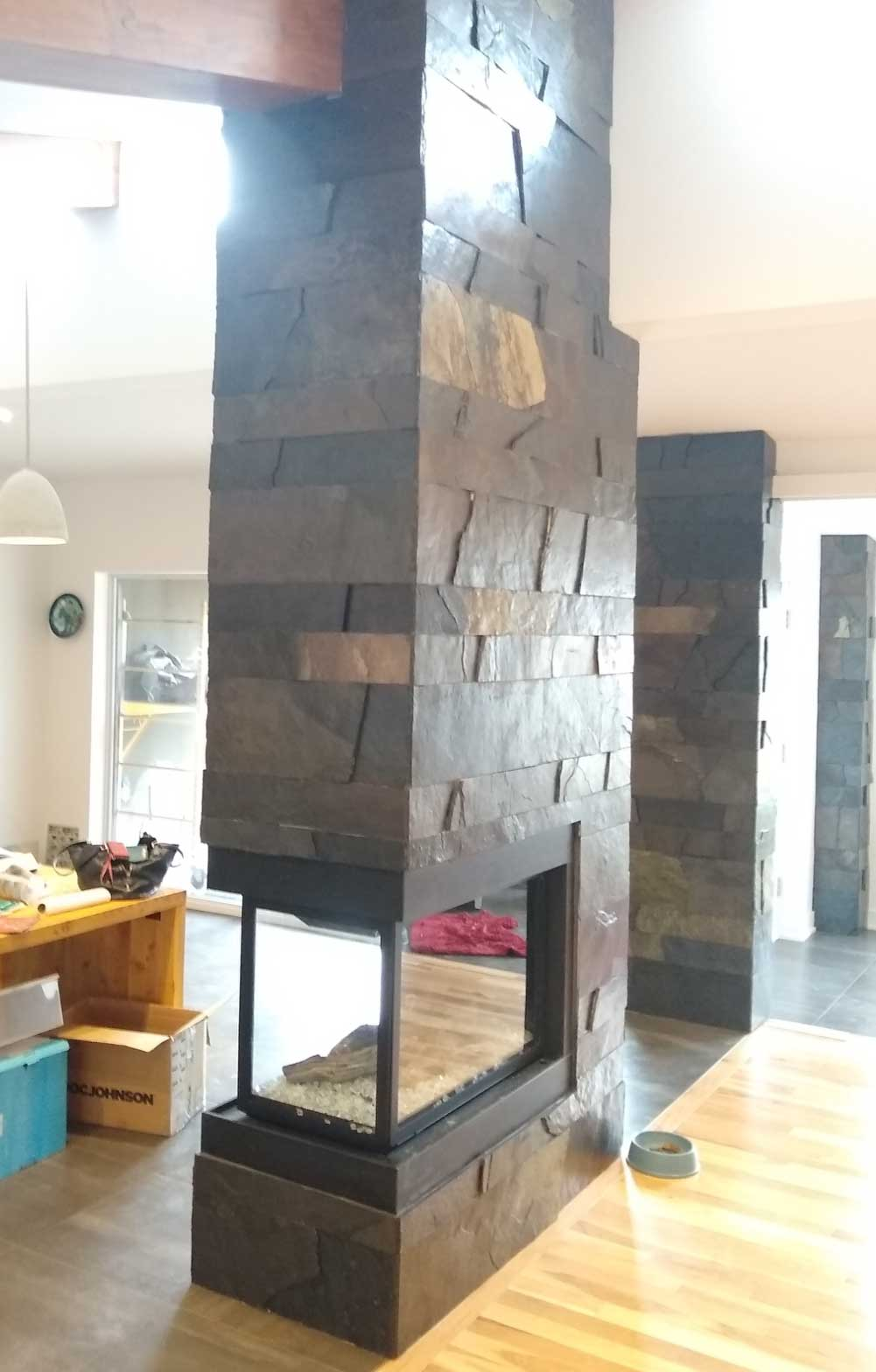 Patern of various sizes of slate paneling